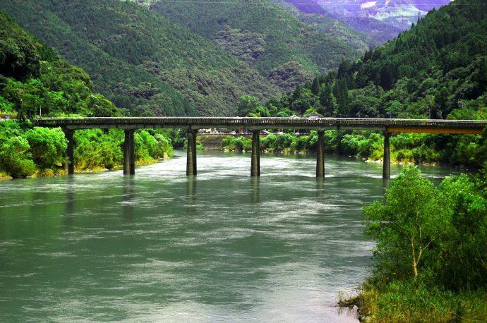 """【""""木""""になるニュース】球磨川荒瀬ダム、国内初のダム撤去完了! 川の再生が、森や自然の再生へと"""